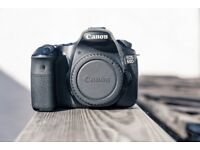 Canon 60D body, instruction manual, discs, strap, battery & charger, case and box