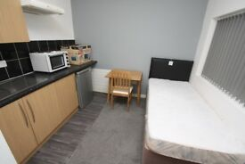 Studios/Bedsits - TO LET - inc bills Doncaster Centre - En Suite - Self Contained