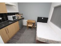 Studios/Bedsits - TO LET - inc bills Doncaster Centre - En Suite - Self Contained