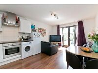 NICELY FINISHED 2 DOUBLE BEDROOM APARTMENT WITH PARKING IDEALLY PLACED FOR CAMDEN & KINGS CROSS
