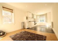 Furnished 4 Bedroom Top Floor Flat Close to Turnpike Lane Piccadilly Tube Hornsey Overground
