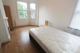 A LARGE 5 BEDROOM HOUSE AVAILABLE IN HORNSEY N8 - SORRY NO DSS