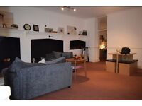 Very Large One Bedroom Flat, Unfurnished in the City Centre next to Pulteney Bridge