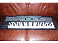 £195 . ROLAND E09 ELECTRIC KEYBOARD. GOOD CONDITION !!!!