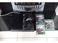 Xbox one 500GB + games + 2x controllers