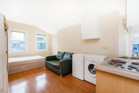 SW16 5LA - COLMER ROAD - A STUNNING COMPACT STUDIO FLAT WITH ON STREET PARKING AVAILABLE