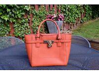 Michael Kors Handbag (Excellent Condition)