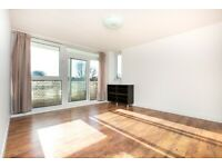 Stylish Two Double Bed Flat With Balcony Close to Dalston Kingsland & Dalston Junction