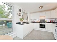 STUNNING 3 BEDROOM APARTMENT WITH TERRACE MOMENTS FROM CHALK FARM UNDERFROUND- IDEAL FOR STUDENTS