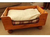 up cycled wine box cat/small dog bed