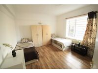 LARGE TWIN ROOM TO OFFER IN MANOR HOUSE CLOSE TO THE TUBE STATION. 13M