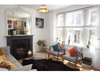 1 Bedroom flat; Ground floor;Victorian Mansion block; Roof terrace with City views.