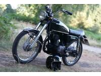 Honda cg125 black classic cafe racer 1977 comes with 1 year mot