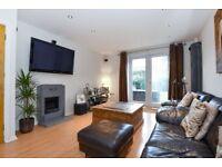A spacious three bedroom house in a Raynes Park Apostles street - Vernon Avenue