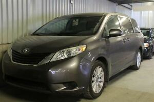 2011 Toyota Sienna LE + AWD + MAGS + BLUETOOTH + CAMERA DE RECUL