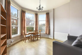 West Hampstead: Large one bedroom flat