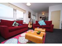 3 Bed Penthouse Flat, Whitehill Place, Dennistoun with Parking