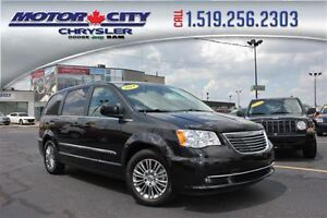 2014 Chrysler Town & Country Touring-L Heated Leather Seats Blue