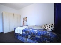 EXTRA LARGE DOUBLE ROOM IN STOCKWELL JUST 2 MINUTES FROM STATION!!!! 200PW ALL INCLUSIVE!!