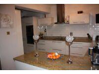 Kitchen Units High Gloss Magnolia - soft closing drawers