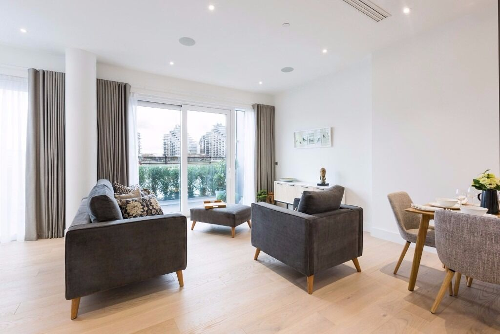 * A STUNNING 2 BEDROOM APARTMENT WITH TERRACE, OVERLOOKING THE RIVER SW6 * FULHAM *