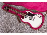 Gibson SG Standard 2014 White with minEtune. Almost new. Peckham.