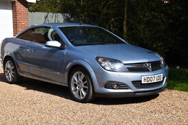 Vauxhall Astra Twin Top 1.8 Design, one previous lady owner, low mileage.