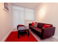 TWO AMAZING DOUBLE ROOMs IN FANTASTIC APARTMENT AT BETHNAL GREEN RD. ALL BILLS INCLUDED