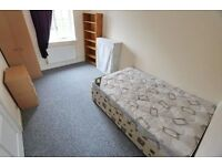 Nice and Fresh ** Lovely Double / Twin bedroom in a big modern house !!! TRENDY EAST