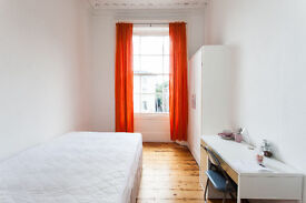 Double rooms in shared Georgian house in Clifton