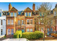 2 bedroom flat in Schubert Road, London, SW15 (2 bed) (#1081411)