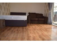 Extra large double room, near city centre and Northern Quarter