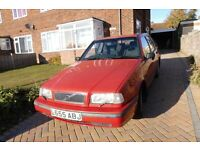 1994 Volvo 4/40, no MoT, sorn notice in effect, restoration job for enthusiast.