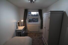 4 rooms in whitechapel