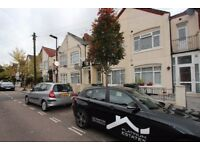DSS WELCOME WITH A GUARANTOR - 2 BEDROOM FIRST FLOOR FLAT AVAILABLE IN HARINGEY, N4
