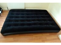 Double air bed with pump