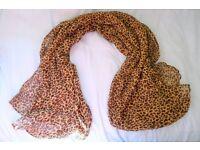Light leopard-print fashion scarf