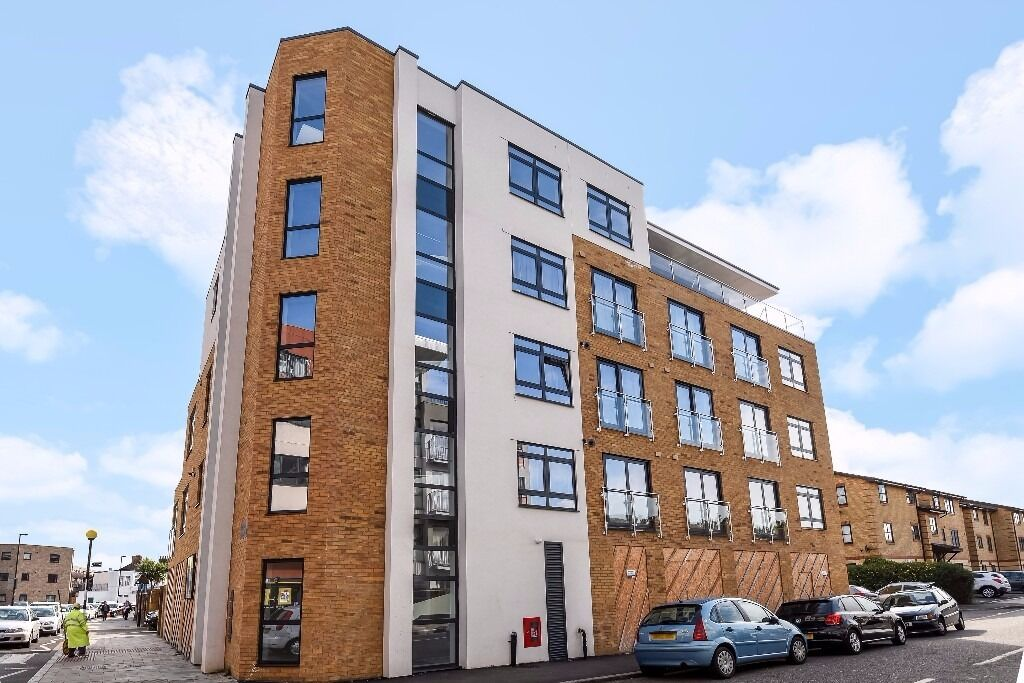VIEW THIS A great two double bedroom modern build first floor apartment in Brockley -Maypole Court