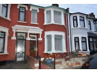 Bright & Spacious 3/4 bedroom house to rent on Henley Road, Ilford IG1 2TT - Incl. Council Tax