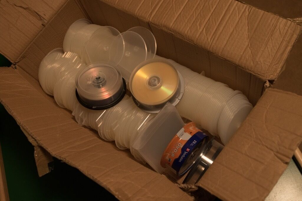 BLANK DVDs AND CLAM SHELL CASES - FREE TO GOOD HOME