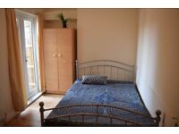 Double room in South Wimbledon. Available now.