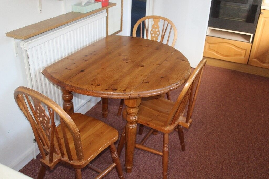 Pine 42 Inch Round Table And 4 Chairs