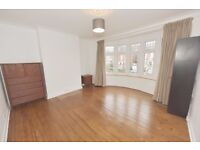 Herne Hill, Large 1st floor double room to let in Herne Hill situated 2min from Herne Hill station