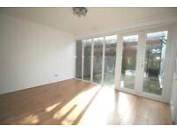 4 double bedroom / 2 bathroom spacious sunny modern house, patio, osp, wood floors 8 mins Raynes Pk