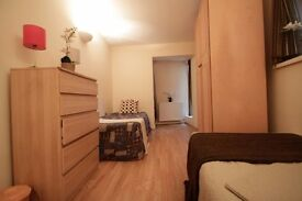 PERFECT TWIN ROOM TO OFFER IN A LOVELY FLAT IN ARCHWAY CLOSE TO THE TUBE STATION. 76A