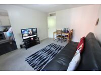 2 bedroom N11 Available NOW. Close to Tube, shops, amenties, parks, gym, TRAIN. F/F
