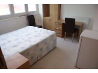 Fabulous studio flat with open plan kitchen near Vauxhall/Oval tube incl gas, water and Wi-Fi.