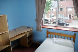 Large room for student or professional, near Keele University, Newcastle under Lyme