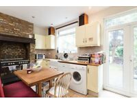 Charming Period 3 Bedroom House With Landscaped Private Garden -SW17