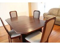 MEREDEW, Mahogny coloured Dining Table w/ 4 Dining Chairs
